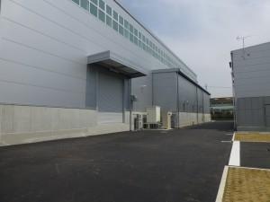 工場棟外観