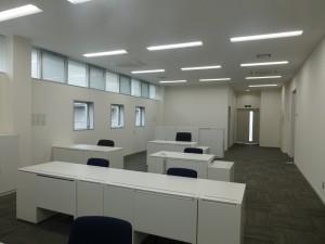 事務所棟事務室